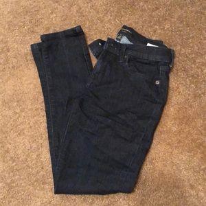 Dark blue skinner jean